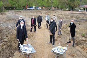 """Spatenstich! Ab jetzt wird im Zoo Osnabrück gebaut: Die 5.000 Quadratmeter großen """"Wasserwelten"""" entstehen in der Nähe der Zoo-Gaststätte und sollen bis Sommer 2022 fertiggestellt werden."""