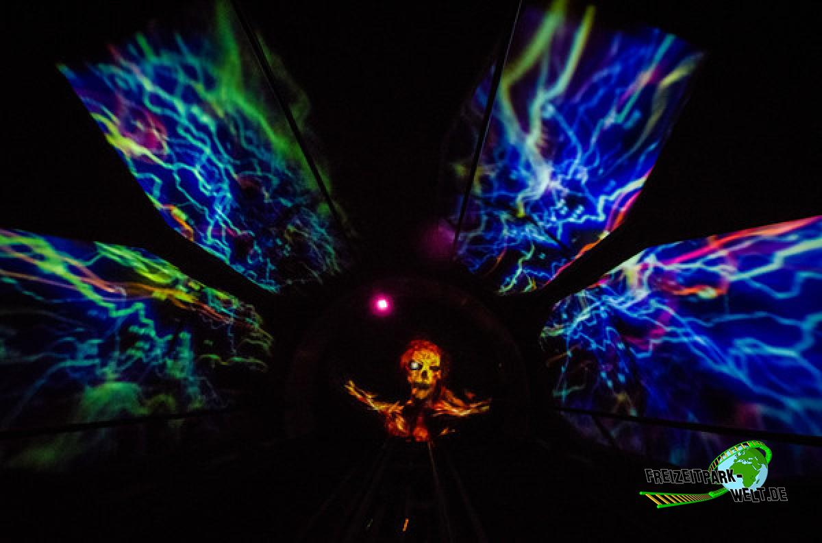 space mountain ghost galaxy - 600×396