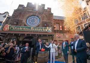 Die Piraten sind zur�ck! Europa-Park feiert Wiederer�ffnung der Piraten in Batavia