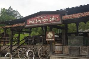 Gold-Bergwerk-Bahn