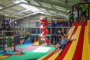 Wetterunabhängiger Freizeitspaß für Kinder