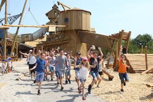 Erlebnispark Tripsdrill er�ffnet Spielewelt �S�gewerk�