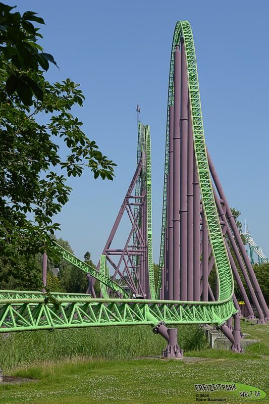 Goliath - Walibi Holland - Freizeitpark-Welt.de