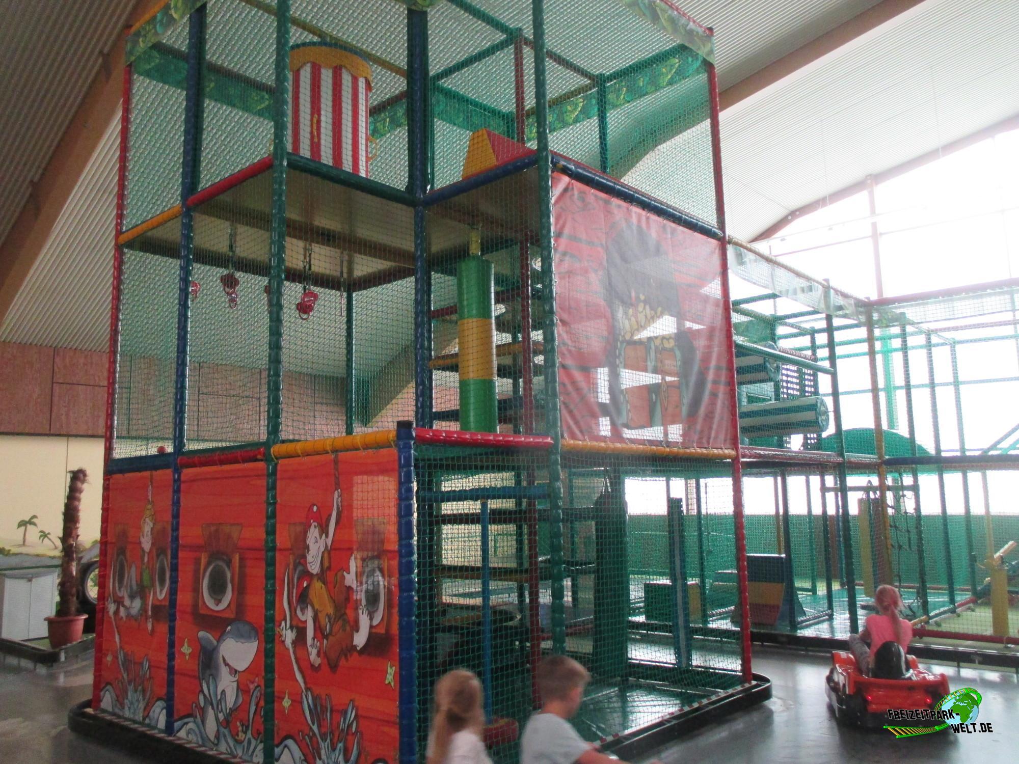 playground piratenland neuwied freizeitpark. Black Bedroom Furniture Sets. Home Design Ideas