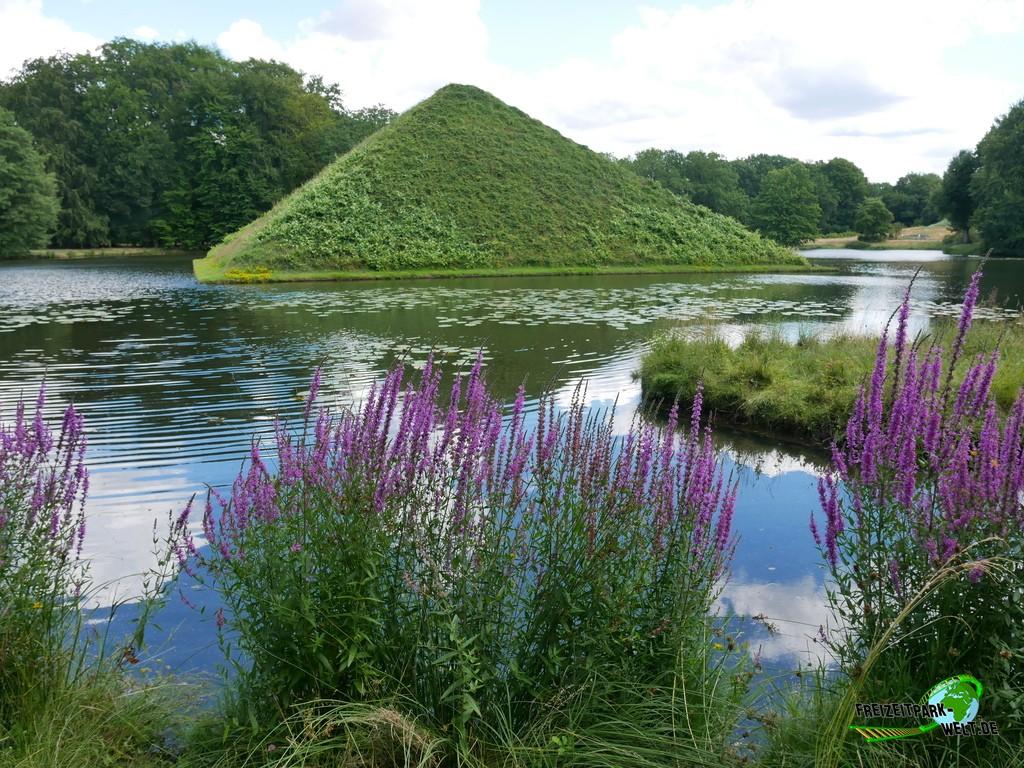 Tierpark Cottbus - 2020: Auch die Umgebung mit der Wasserpyramide im Branitzer Park ist sehr reizvoll