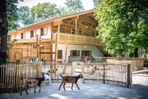 Neue Tierparkschule im Hellabrunner M�hlendorf